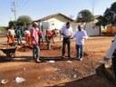 Argemiro Ortega recebe tapa buracos e canaletas por intermédio de vereador