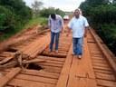 Vereadores verificam as condições da ponte do Rio São Bento