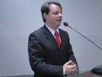 Adriano reivindica cobertura da quadra esportiva da escola Machado de Assis
