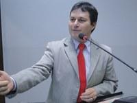 Vicente questiona implantação de novos cursos superiores em Nova Andradina