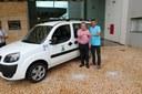 Amarelinho prestigia entrega de veículo para Secretaria de Saúde