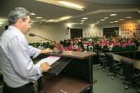 Câmara abre espaço para palestra motivacional que marca comemoração do Outubro Rosa