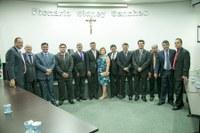 Câmara empossa eleitos e elege nova Mesa Diretora