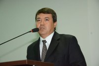 Dr. Sandro cobra campanha educativa para orientar ciclistas sobre trânsito