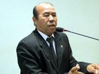 Zé Bugre reitera pedido de reforma da Câmara Municipal