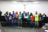 Grupo que representa Nova Andradina em maratonas pelo Brasil recebe moção da Câmara