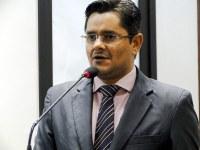 Ricardo Lima reivindica estacionamentos e melhoria em sinal de TV