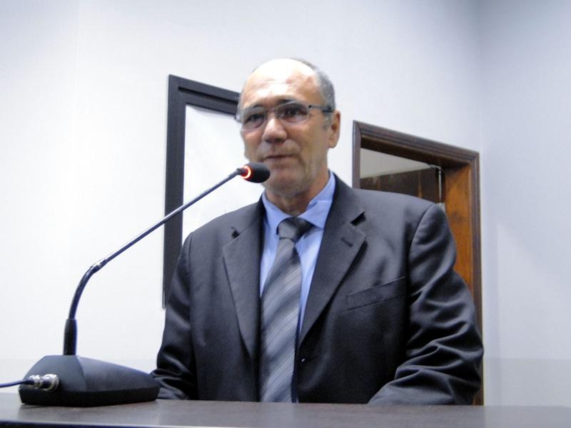 Vereador Edson Tolotti pleiteia reforma de ponte