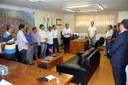 Vereadores participam de assinatura de convênio