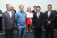 Mini Miss Nova Andradina recebe homenagem da Câmara