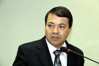 Dr. Sandro questiona fechamento da farmácia do CEM