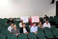 Pais de alunos de Ceinf protestam por volta de coordenadora