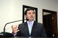 Vicente requer informações a respeito de obras de infraestrutura urbana