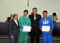 Gêmeos convocados pela Seleção de Basquete de MS recebem moção