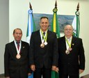 Nenão, Robertinho e Zé Bugre recebem Medalha Alferes Tiradentes