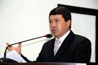 Dr. Sandro cobra aplicação de lei para reduzir consumo de água em prédios públicos