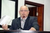 Robertinho pede urgência para restauração de canaletas