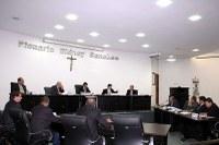 Sessão é presidida por Quemuel de Alencar
