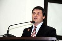 Vicente busca dados a respeito da violência sexual infantil em Nova Andradina