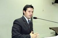 Vicente quer adesão de Nova Andradina ao Mais Médicos