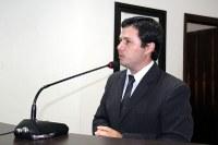 Vicente sugere convênio para aquisição de caminhão compactador de lixo