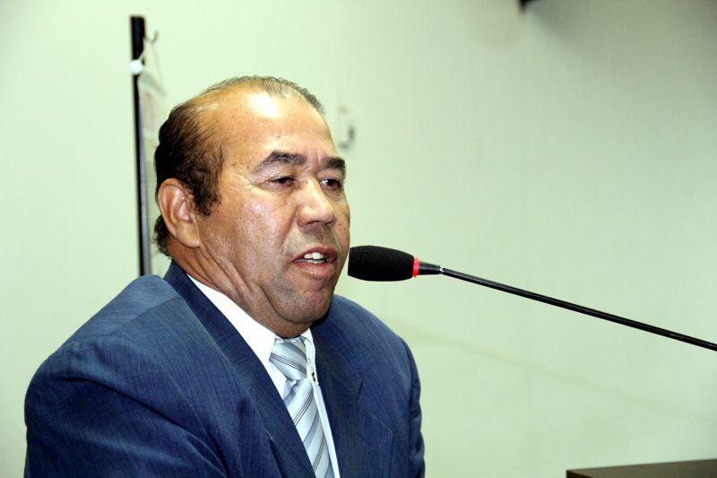 Zé Bugre denuncia falta de profissionais para transferência de pacientes no Regional
