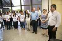 Quemuel de Alencar participa de abertura da exposição de artes