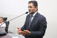 Ricardo Lima solicita construção de quadras de basquete