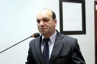 Valmirá solicita informações sobre rede de esgoto no Residencial Argemiro Ortega