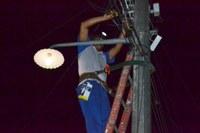 Valter sugere iluminação em ruas do Almesinda Costa Souza