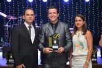 Wilson Almeida recebe Prêmio de Vereador Mais Atuante